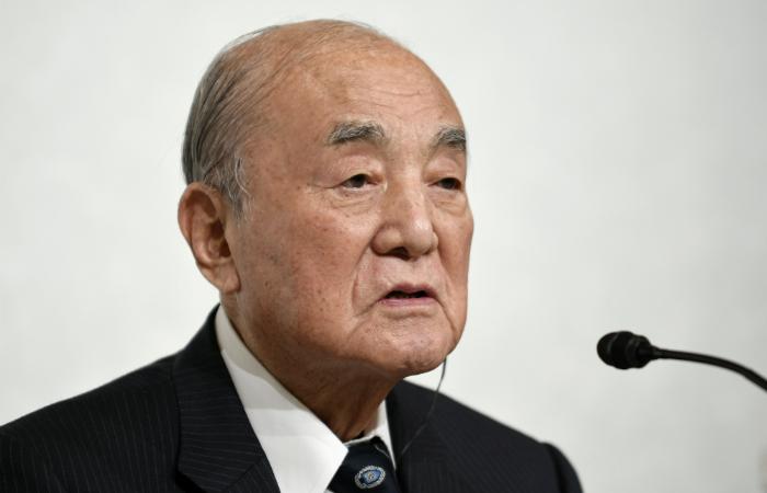 Бывший премьер-министр Японии Накасонэ умер в возрасте 101 года