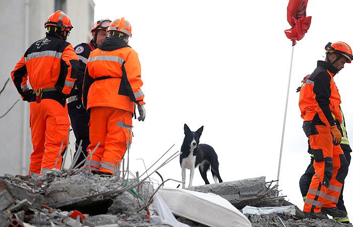 В Албании прекратили поиски выживших после землетрясения