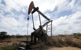 Отнять и поделить - добровольные и вынужденные сокращения добычи нефти хотят распределить на весь ОПЕК+