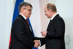 Путин отверг идею Сокурова пересмотреть присвоение Кадыровым званий Героев России