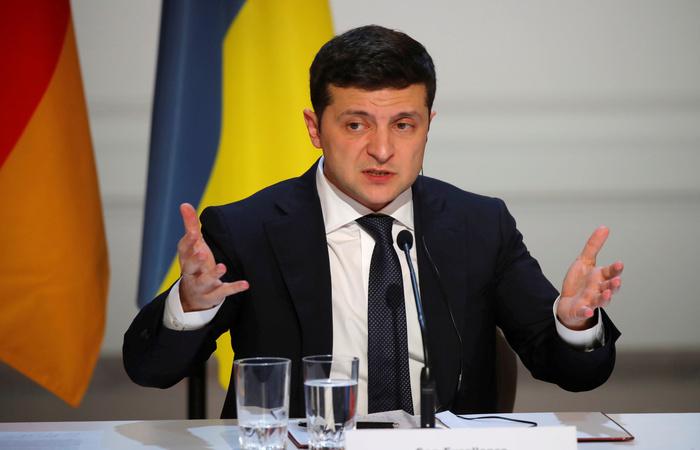 Зеленский назвал невозможным компромисс по поводу принадлежности Крыма и Донбасса