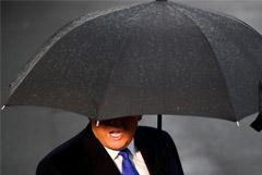 Трамп сообщил о согласовании первой фазы торговой сделки с Китаем