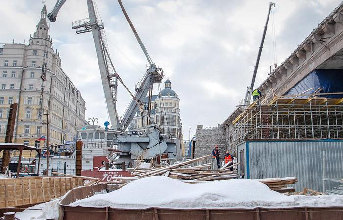 Большой Москворецкий мост открыли в Москве после капремонта