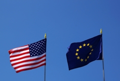 Вдвое больше россиян стали хорошо относиться к США и ЕС с 2018 года