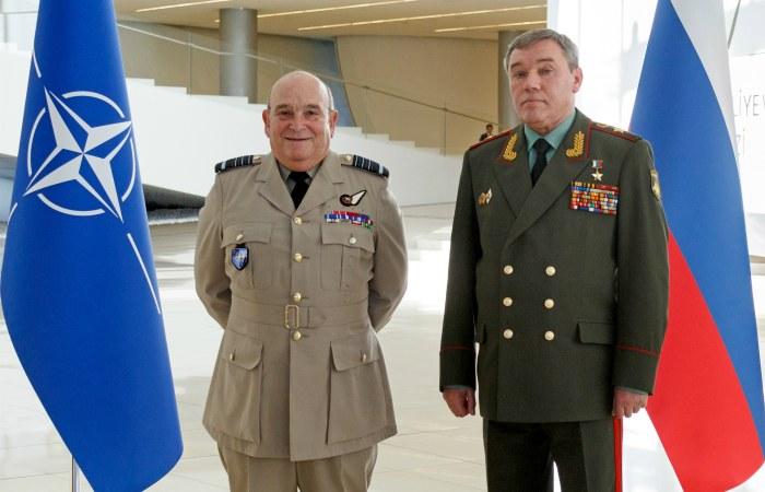 Начальник российского Генштаба обвинил НАТО в эскалации напряженности