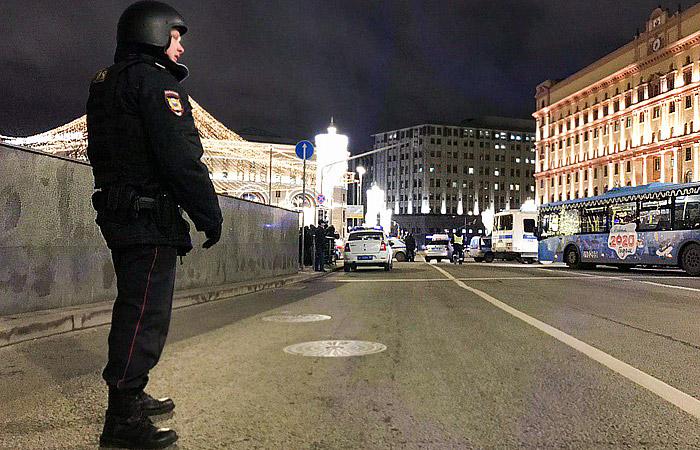 СПЧ обратился в Генпрокуратуру и СКР из-за задержаний журналистов на Лубянке