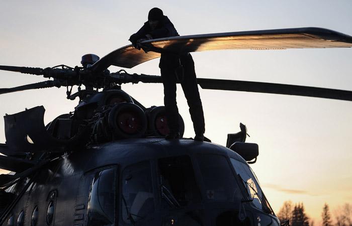 В Красноярском крае при посадке опрокинулся вертолет Ми-8