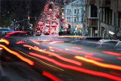 Москвичам посоветовали отказаться от поездок на личных авто вечером в среду