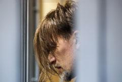 Обвиняемый в изнасиловании дочери житель Ленобласти признал вину в хранении оружия