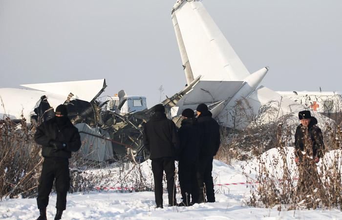 Жертвами крушения самолета в Алма-Ате стали 15 человек