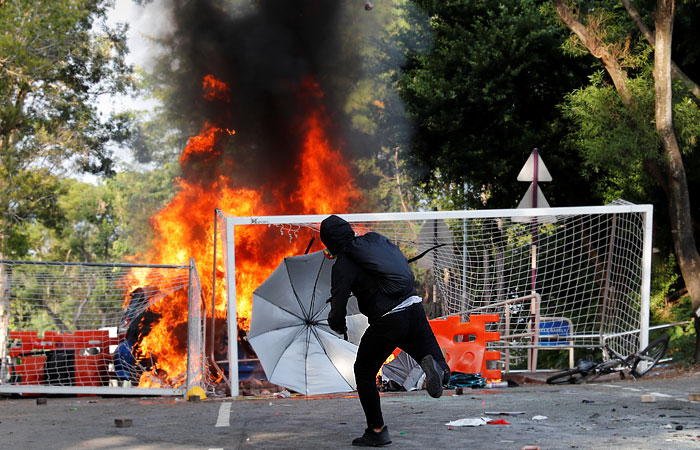 В Гонконге в четверг из-за протестов не будут работать школы и детские сады