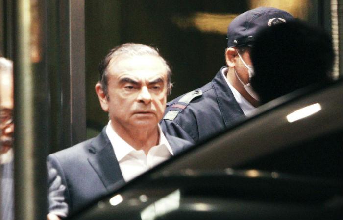 В Турции задержали семь человек из-за побега экс-главы Nissan из Японии