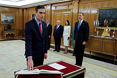 Педро Санчес официально возглавил правительство Испании