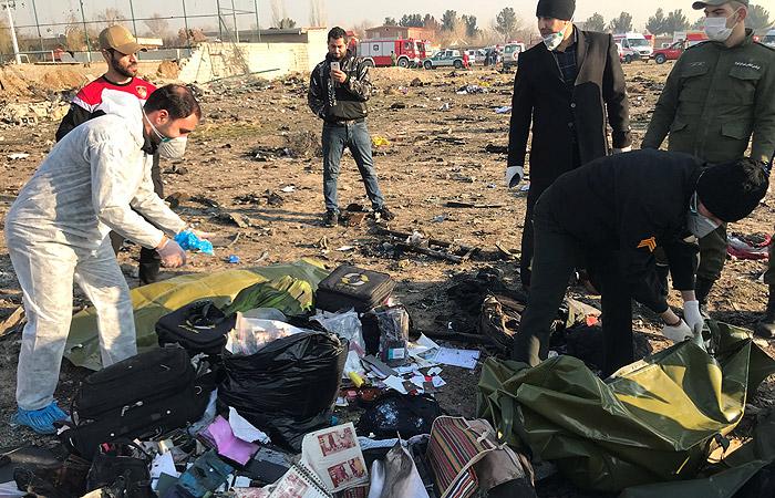 В Киеве заявили об 11 украинцах на борту разбившегося в Тегеране лайнера