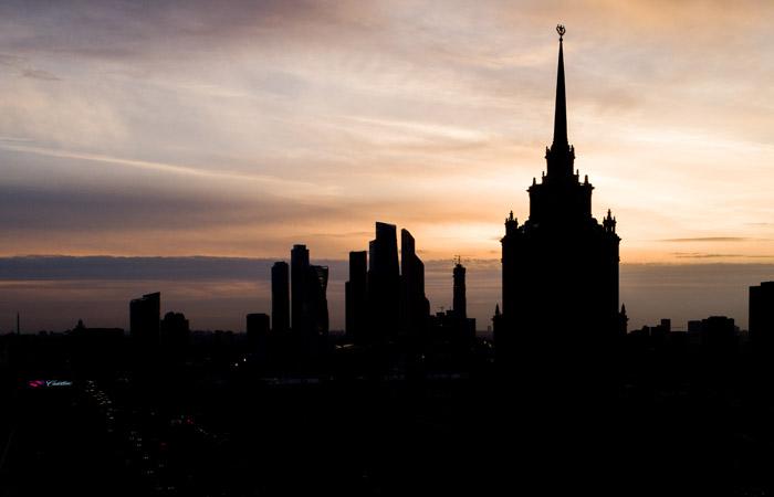 """В среду в Москве """"заминировали"""" около ста школ и гостиницу """"Украина"""""""