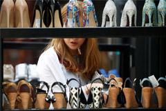 В России впервые с 2015 года упали продажи одежды и обуви