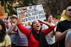 Тысячи людей вышли на акцию протеста в Сиднее на фоне катастрофических пожаров