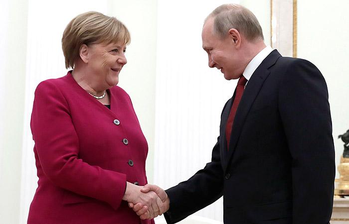 Путин и Меркель провели переговоры в Москве