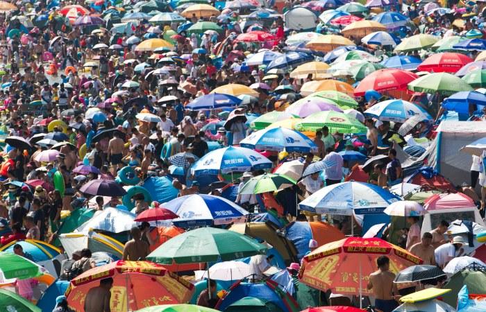 Численность населения материкового Китая превысила 1,4 млрд
