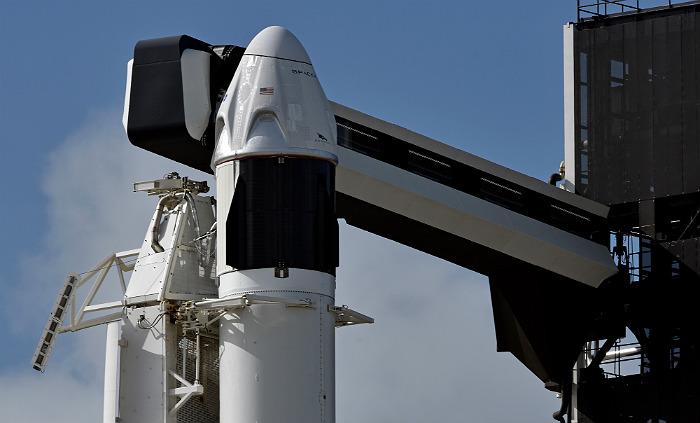 SpaceX óñïåøíî èñïûòàëà ñèñòåìó àâàðèéíîãî ñïàñåíèÿ êîðàáëÿ Crew Dragon