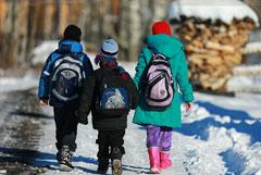 Путин посоветовал бедным семьям до конца года написать заявления на детские пособия