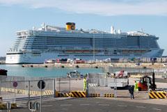 На круизном лайнере у Рима застряли 6 тыс. пассажиров из-за болезни китайской пары