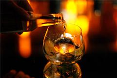 """Главный нарколог Минздрава назвал треть населения РФ """"тихими алкоголиками"""""""