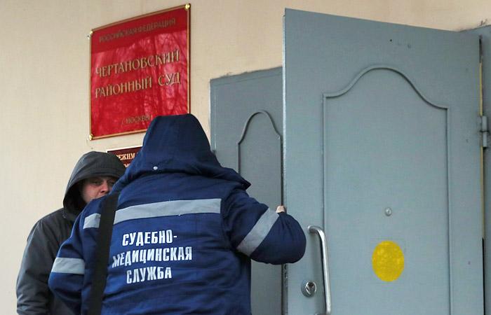 В Мосгорсуде опровергли слухи о неисправных рамках в суде, где был совершен суицид