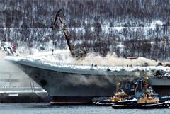 """В ОСК назвали предварительную сумму ущерба горевшему """"Адмиралу Кузнецову"""""""