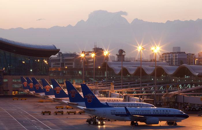 Две трети самолетов авиакомпаний КНР стоят на земле из-за коронавируса