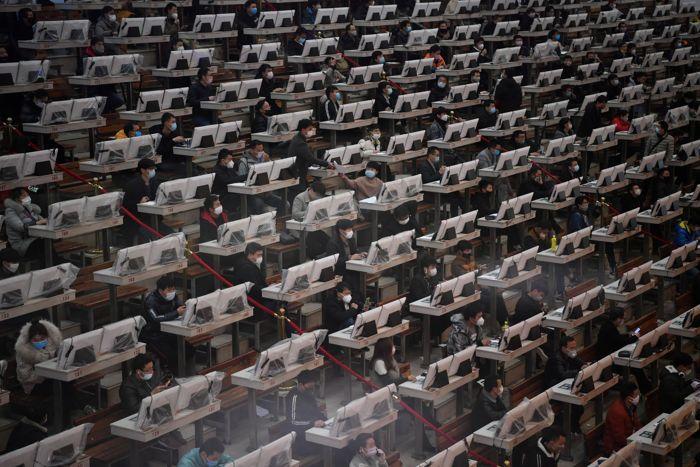 Число больных пневмонией нового типа в Китае превысило 63,8 тыс. человек