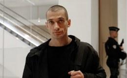 Акционисту-эмигранту Павленскому и его подруге предъявлены обвинения
