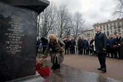 Путин согласился, что трудно прожить на 10 800 рублей