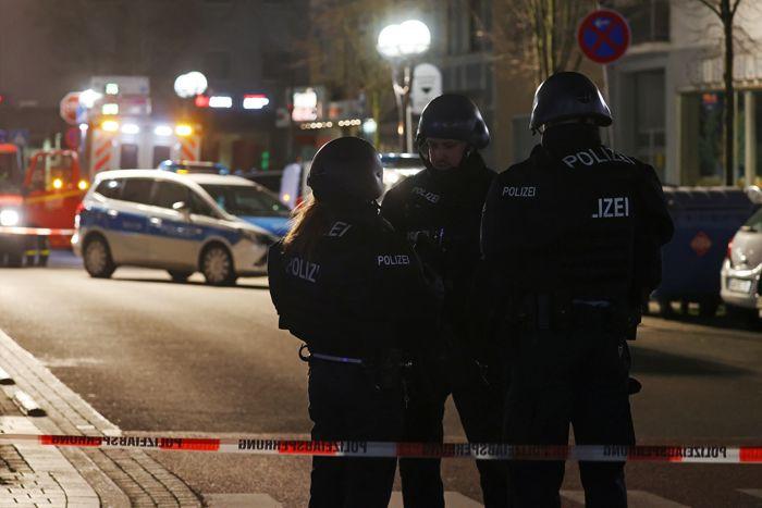 Не менее восьми человек погибли при стрельбе в немецком городе Ханау