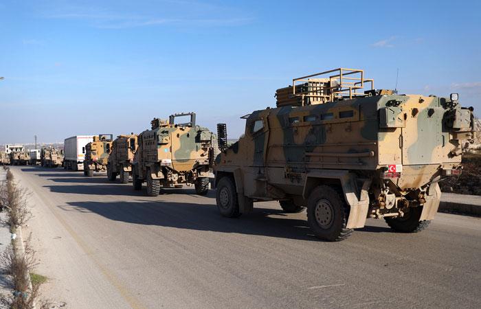 Россия сообщила о многокилометровых турецких военных колоннах в Идлибе