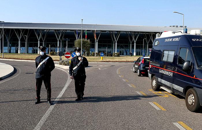Италия ввела жесткие ограничения из-за вспышки коронавируса в стране