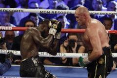 Фьюри нокаутом победил Уайлдера в поединке-реванше за пояс WBC