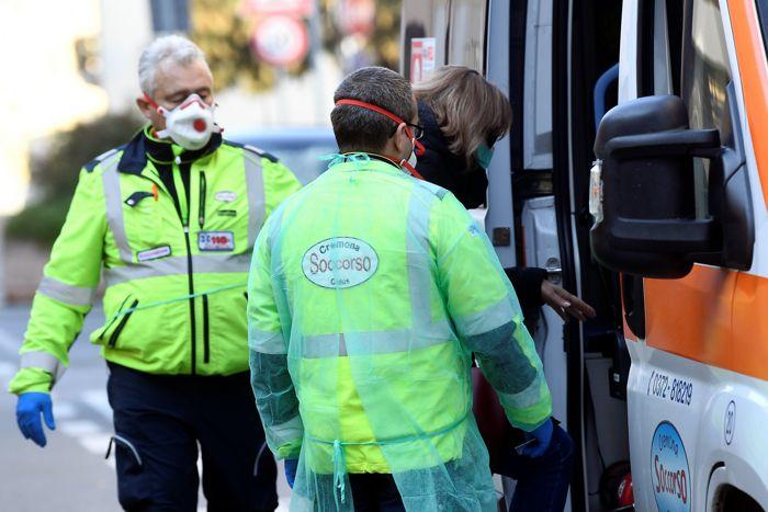Число зараженных коронавирусом в Италии резко выросло с 4 до 79