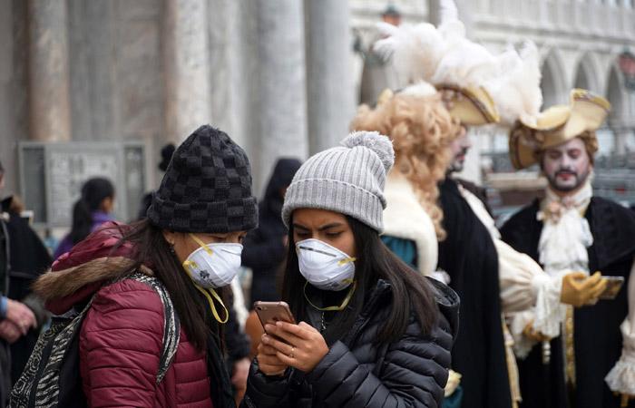 Число новых заражений коронавирусом вне Китая впервые превысило показатели в КНР