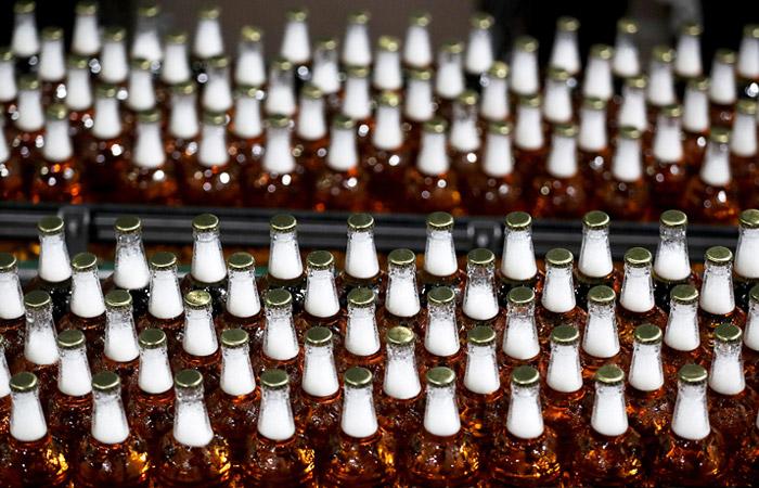 Крупнейший производитель пива ждет рекордного падения прибыли из-за коронавируса