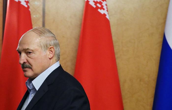 """Лукашенко заявил о """"понуждении"""" Белоруссии к интеграции с Россией"""