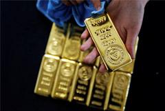 Золото из-за коронавируса подорожало до максимума за шесть лет