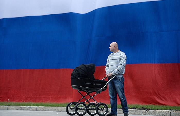 Путин подписал закон о материнском капитале после рождения первенца