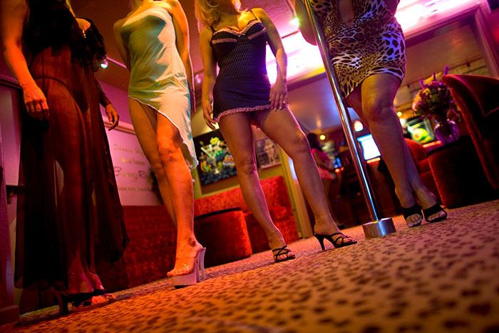 Правозащитники предложили отменить наказание за проституцию