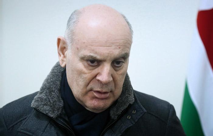 Кандидат в президенты Абхазии введен в медикаментозную кому