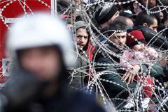 Границу Турции и Греции пересекли более 130 тыс. нелегалов