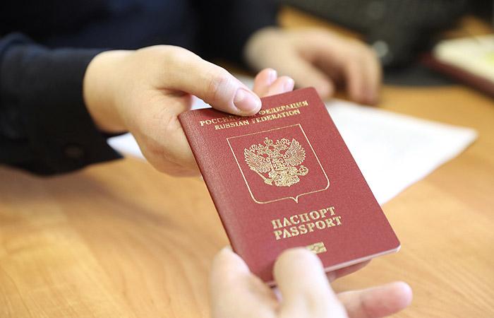 Путин поручил реформировать миграционное законодательство
