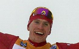 Российский лыжник Большунов досрочно выиграл общий зачет Кубка мира
