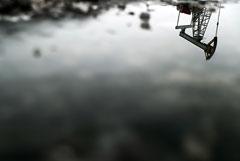 Ценовая война на нефтяном рынке затормозит переход на экологически чистую энергию