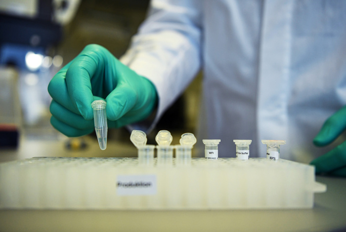 Первый волонтер в США получит экспериментальную дозу вакцины от коронавируса